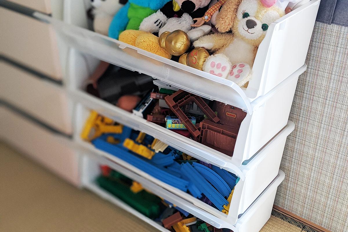 Nフラッテのフタで目隠し収納したトミカやプラレールのおもちゃ
