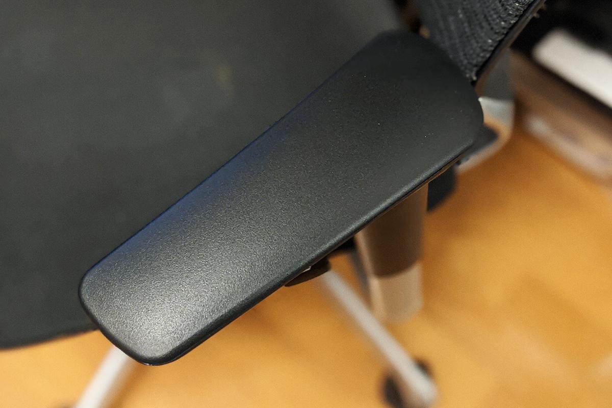 肘パッド(アームレスト)を新品に交換修理したバロン