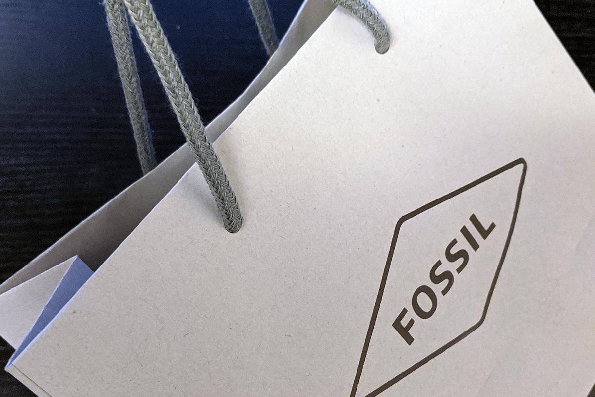 フォッシルの紙袋