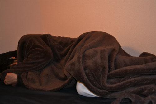 着る毛布で気持ちよい眠り