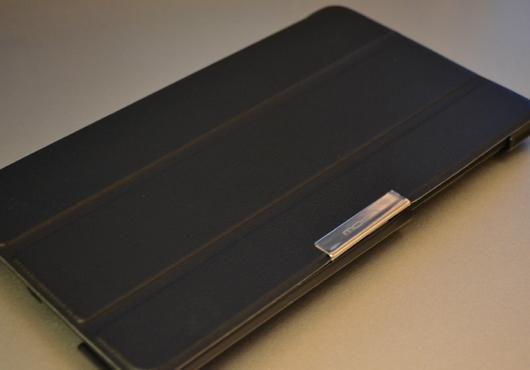 新Nexus7用MoKoカバーの蓋を閉じた様子